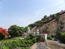 Ramanagara, Karnataka India, widok, - Maja 29, 2010 władyki Rama świątynia przy wierzchołkiem wzgórze Obraz Royalty Free
