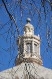 Ramas con la linterna de la bóveda de la iglesia Imagen de archivo libre de regalías