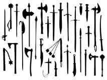 Ramassage d'arme, armes médiévales Photos libres de droits