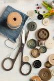 Ramassage de divers boutons Image libre de droits