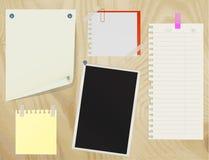 Ramassage de divers papiers de note Photo libre de droits