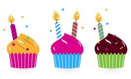 Ramassage de gâteaux d'anniversaire Photographie stock