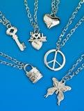 Ramassage de pendants argentés Images libres de droits