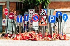 Ramassage de signes de route Image stock