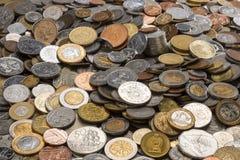 Ramassage de vieilles pièces de monnaie Image libre de droits