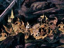 Ramayana malowidła ściennego obrazy, obcy bitwa bóg i chimera na ścianach królewiątko pałac Bangkok, Tajlandia Zdjęcia Stock