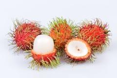 Ramboutan frais : fruit délicieux doux de ramboutan sur le backgro blanc Images libres de droits