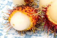 Rambutan auf weißem Hintergrund, Rambutanisolierung Lizenzfreie Stockbilder