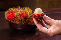 Rambutan en söt tropisk frukt Arkivfoton