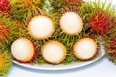 Rambutan isolato su priorità bassa bianca fotografie stock libere da diritti