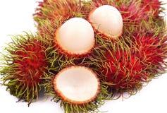 Rambutan lokalisiert auf dem weißen Hintergrund stockbild