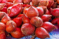 Rambutanfrukter på marknadsföra Fotografering för Bildbyråer