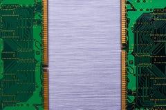 RAMchiper på borstad metall Arkivfoton