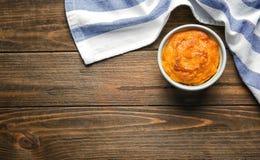 Ramekin z smakowitym marchwianym souffle zdjęcie royalty free