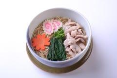 Ramen di Buta, giapponese Raman con carne di maiale isolata su backgroun bianco Immagine Stock