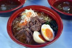 Ramen japoneses del plato de sopa de fideos Imágenes de archivo libres de regalías