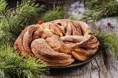Rami del panino e del pino della corona della cannella di Natale Fotografia Stock