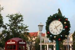 Rami dell'orologio e dell'abete di Natale Fotografie Stock Libere da Diritti