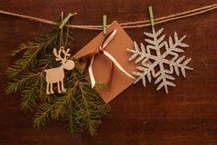 Rami e cartolina del pino Immagine Stock