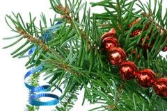 Ramificación de árbol de abeto con la decoración de los cristmas Fotos de archivo