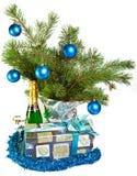 Ramificaciones del aún-vida-piel-árbol del Año Nuevo, un oropel Fotografía de archivo libre de regalías