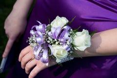 Ramillete púrpura del baile de fin de curso Foto de archivo libre de regalías