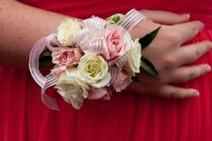 Ramillete rosado del baile de fin de curso fotografía de archivo