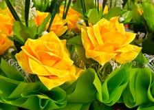 Ramo artificial de la rosa del amarillo Fotografía de archivo libre de regalías