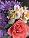Ramo brillante de flores de la primavera Fotos de archivo