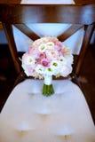 Ramo colorido de la boda hermosa para la novia Imágenes de archivo libres de regalías