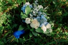 Ramo con las flores coloridas imagen de archivo