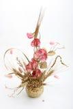 Ramo con las flores y el trigo rosados Imagen de archivo libre de regalías