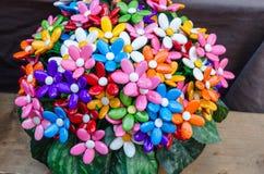 Ramo con los batterflies hechos de los caramelos de la jalea Imagen de archivo libre de regalías