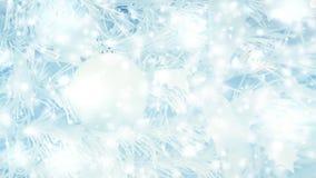 Ramo de árvore do Natal e bola decorativa da árvore do White Christmas filme