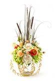 Ramo de color de rosa y de hortensia en el florero de cristal Foto de archivo libre de regalías