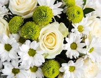 Ramo de flores blancas Fotografía de archivo libre de regalías