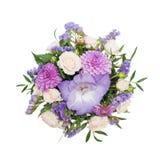 Ramo de flores en la caja aislada en el fondo blanco imagen de archivo libre de regalías