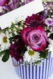 Ramo de flores rosadas fotos de archivo