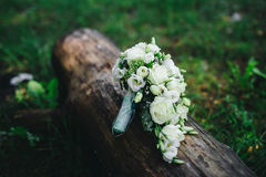 Ramo de la boda con las flores blancas imagen de archivo