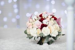 Ramo de la boda con las flores del algodón foto de archivo libre de regalías