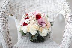 Ramo de la boda con las flores del algodón fotos de archivo libres de regalías