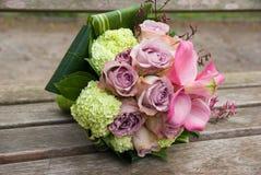 Ramo de la boda con las rosas Foto de archivo libre de regalías