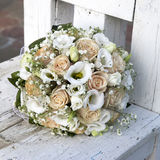 Ramo de la boda de amarillo y de rosas de la crema Imagen de archivo libre de regalías