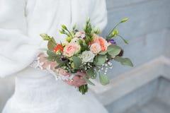 Ramo de la boda de la novia Fotos de archivo