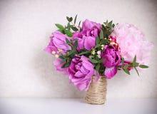Ramo de la boda de peonías rosadas Imágenes de archivo libres de regalías