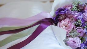 Ramo de la boda en la almohada metrajes