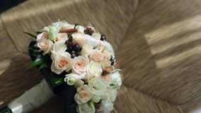Ramo de la boda, flores, rosas, ramo hermoso almacen de video