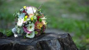 Ramo de la boda, flores, rosas, ramo hermoso metrajes