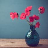 Ramo de la flor de la amapola con efecto retro del filtro Fotos de archivo