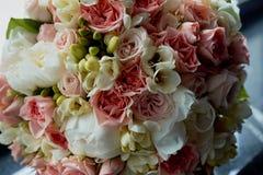 Ramo de la novia en rosa El casarse floristry Imagen de archivo libre de regalías